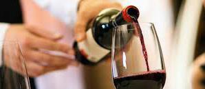 Como servir el vino